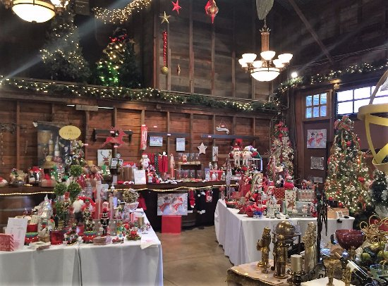 Morgan Hill, CA: So many pretty things at the Guglielmo Christmas market