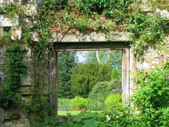 Lamberhurst, UK: Inside the ruins