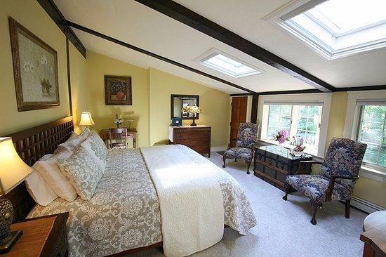 Йорк, Мэн: Heron room, king bed, large deck and jacuzzi