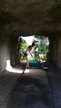 George Town, Grand Cayman: This was a fun hole