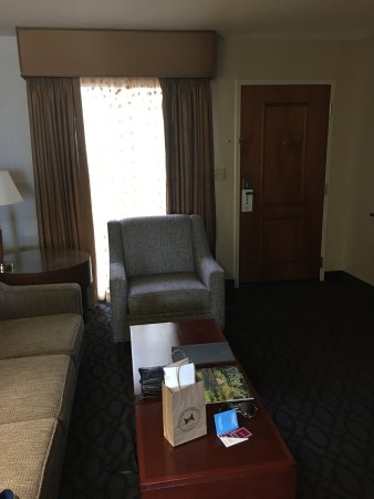 Emby Suites By Hilton Dulles North Loudoun Photo6 Jpg