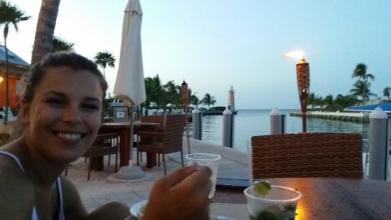 George Town Yacht Club: dinner outside
