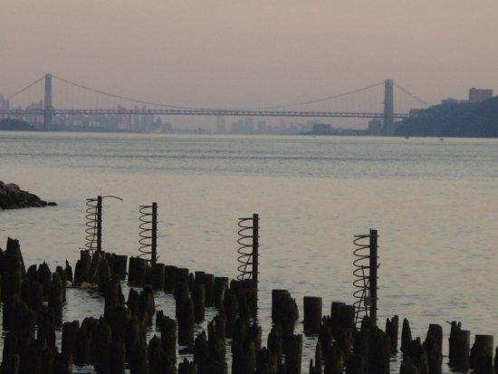 Yonkers, NY: Linda vista del Hudson