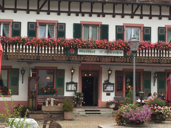 Hotel Hirschen: Close up of the entrance of the hotel