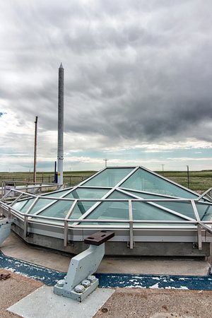 Wall, Dakota del Sur: Storm clouds over the missile silo