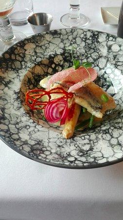 Zele, Belgien: tasty fish with aspergus and puré. Chips croquant