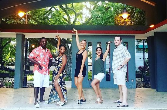 Clase de baile de salsa en San Juan: Salsa Dance Class in San Juan
