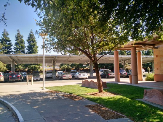 Dublin, CA: Car ports with solar panels