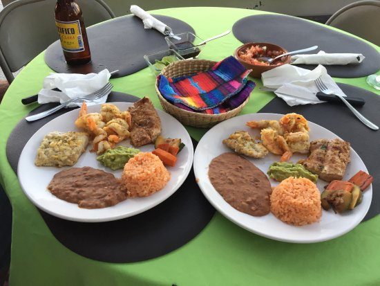 Los Barriles, Mexico: A very colorful and tasty meal
