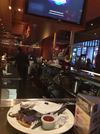 Woodbury, MN: Okay food- terrible service