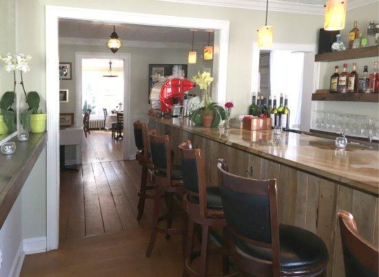The bar at il Giardino Restaurant by John Gambino in Aquebogue, NY