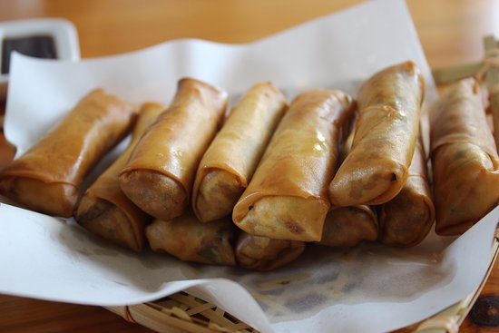 Dali, China: The result of the spring rolls. Just delicious, cooked right with all perfect seasoning