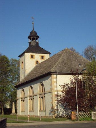 Dorfkirche in Lobmachtersen