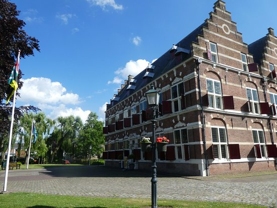 Willemstad, Hollandia: The grounds of Mauritshuis