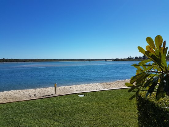Noosaville, Avustralya: View of the river from Noosa Harbour Resort
