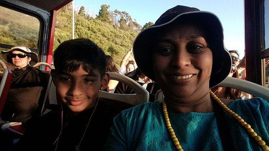 ใจกลางเมืองเคปทาวน์, แอฟริกาใต้: On the Red Bus to Hout Bay