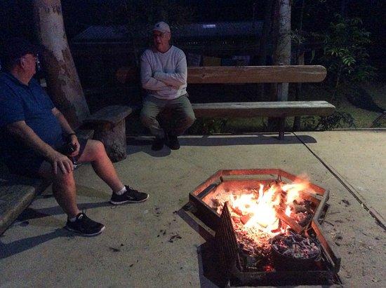Hydeaway Bay, Australia: Fire pit in communal area