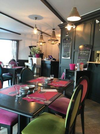 Murs-Erigne, Francja: La salle de restaurant