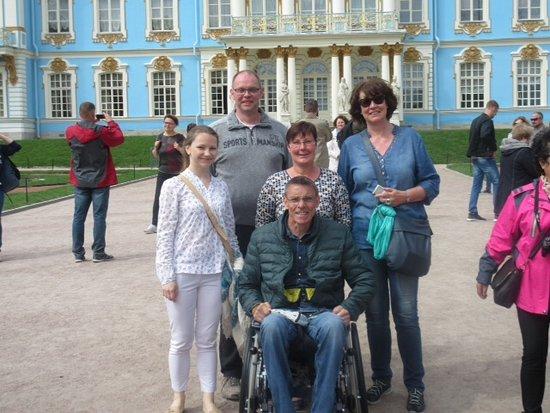 Tour-in-StPetersburg. com - Day Tours: Olga mit Ludwig, Kerolein Dirk und Gaby