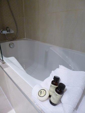 Hotel design sorbonne paris frankrike omd men och for Hotel design sorbonne 6 rue victor cousin 75005 paris france