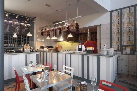 Zizzi - Colchester: Open kitchen