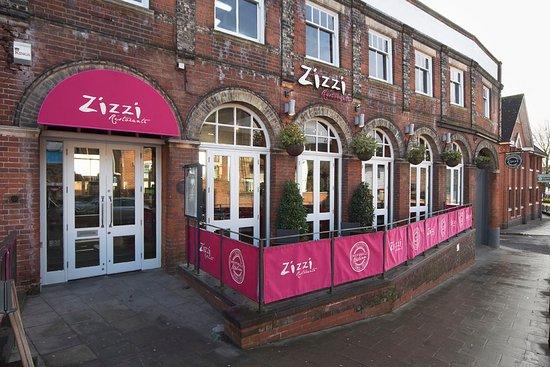 Zizzi - Colchester: Outside