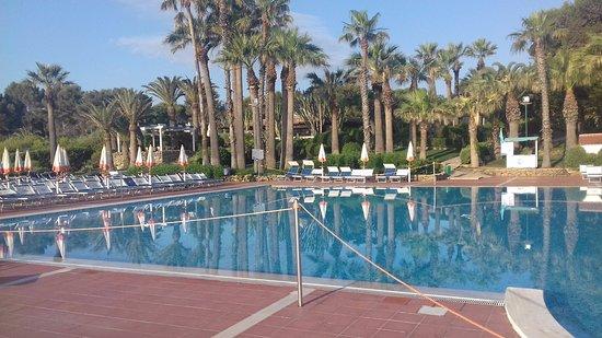 Brucoli, Italy: piscine chauffé et surveillée .