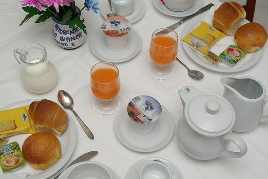 Hotel il Faro: Breakfast product