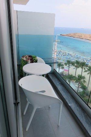 Tasia Maris Sands Beach Hotel : Балкон в номере