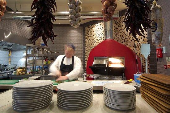 Esher, UK: Pizza oven