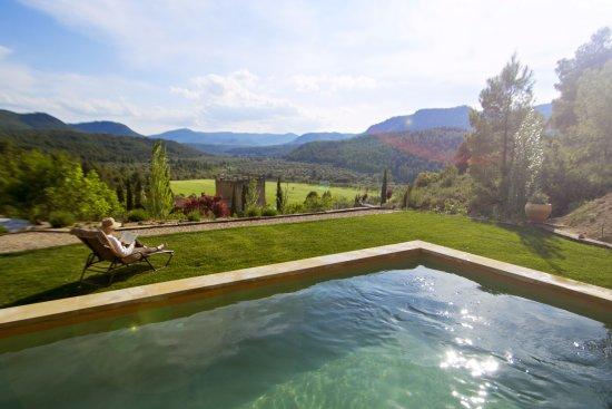 Fuentespalda, Espagne : Piscina con vistas al valle del rio Tastavins
