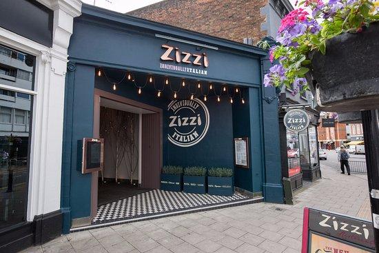 Zizzi - Guildford: Outside