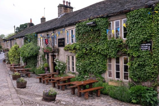 Burnsall, UK: the red lion