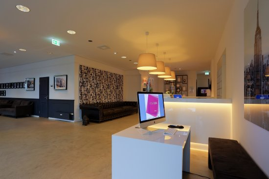lobby picture of fourside plaza hotel trier trier tripadvisor. Black Bedroom Furniture Sets. Home Design Ideas