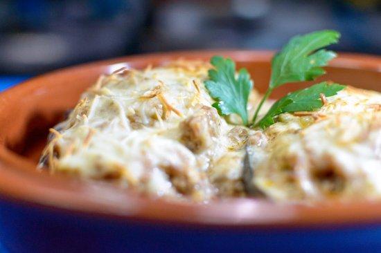 La Matanza de Acentejo, Spanien: Papoutsaki: Berenjena rellena de carne especiada y quesos, cocinada al horno.