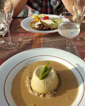 Limay, Frankrijk: Très, très bonne table. .. je dirais même plus excellente table... et très bon accueil♡♡♡