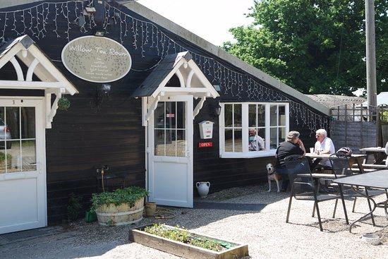 Barnham, UK: Willow Tearoom entrance