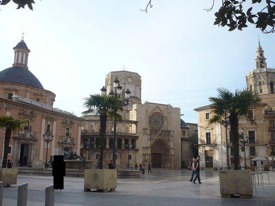 Picture of plaza de la virgen valencia - Nice things valencia ...