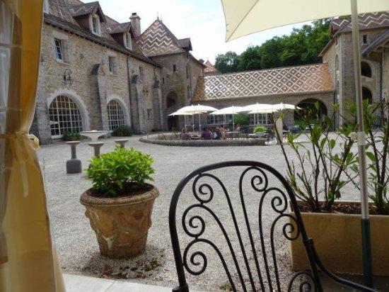 Hôtel Château de Bournel : La cours intérieure.