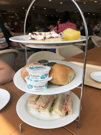 Ivybridge, UK: Afternoon tea for 2