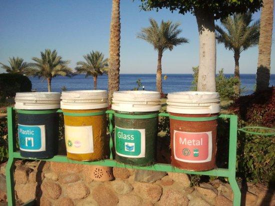 Renaissance Sharm El Sheikh Golden View Beach Resort: Raccolta differenziata!!!