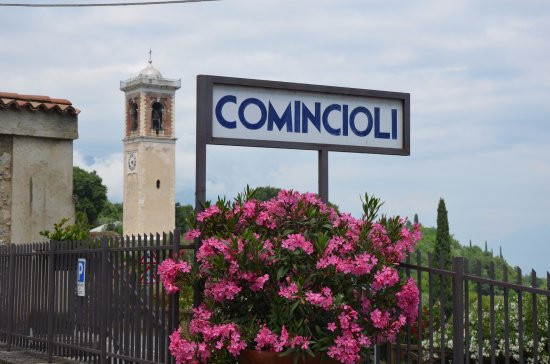 Puegnago sul Garda, Italy: Aussenansicht