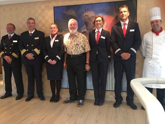 Lignan-De-Bordeaux, Prancis: Ron with the executive staff