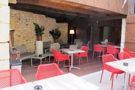 Chauvigny, França: Terrasse et Patio Les Choucas