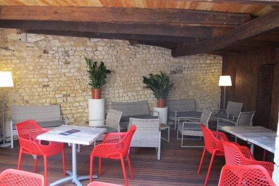 Chauvigny, فرنسا: Patio Les Choucas