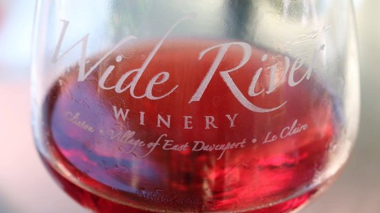 Wide River Winery Davenport