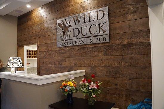 Topsham, เมน: Wild Duck Restaurant & Pub