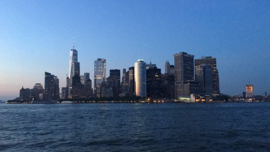 Bateaux New York: Freedom tower e financial district