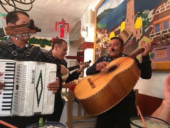 Pipi's: Mariachi Band