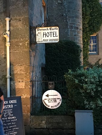 Dornoch Castle Hotel: Hoteleingang